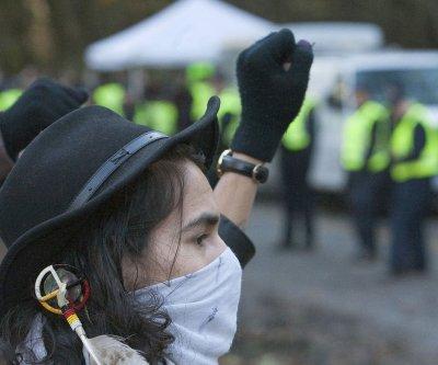 Dakota Access pipeline protests grow
