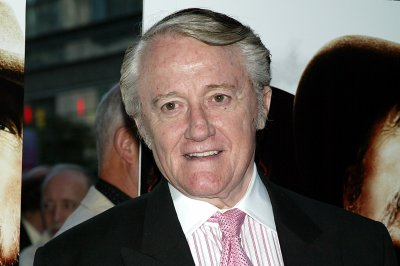 'The Man From U.N.C.L.E.' star Robert Vaughn dead at 83