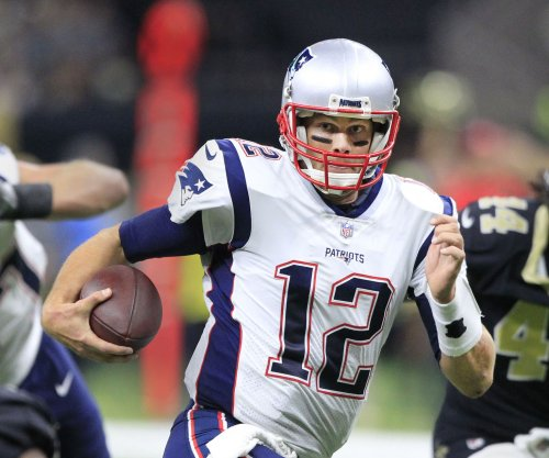 Tom Brady helps New England Patriots roll past New Orleans Saints