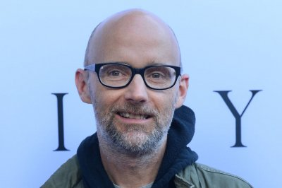 Moby insists he dated Natalie Portman