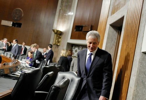 Panel votes to recommend Hagel