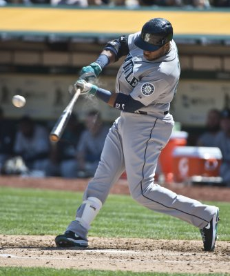 Mariners thwart the Padres