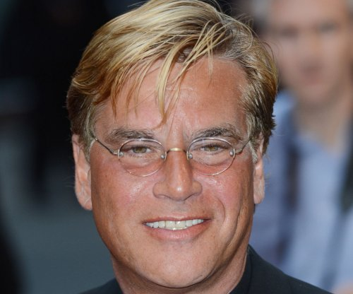 Aaron Sorkin slams media for publishing info from Sony hack