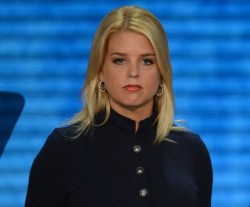 Florida AG Pam Bondi asks Clarence Thomas to extend state's same-sex marriage ban