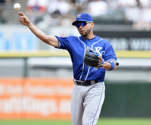 Kansas City Royals waive 2B Omar Infante