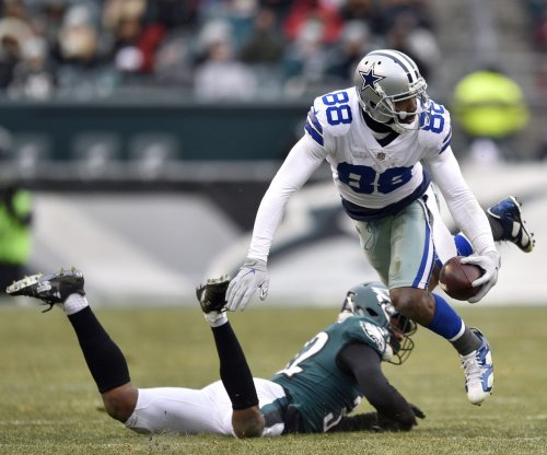 Cowboys VP Jones: WR Bryant can be a 'distraction'