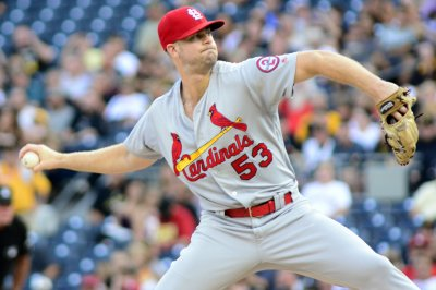 Cardinals look to keep momentum vs. Nationals