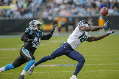 Reeling Carolina Panthers' secondary making critical mistakes