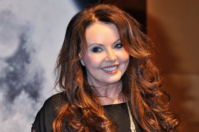 Sarah Brightman to stream concert Saturday for charity