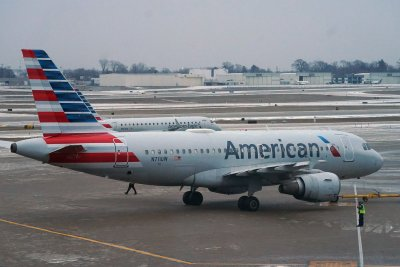 American Airlines to pay back federal debt with $7.5B from bonds, loan