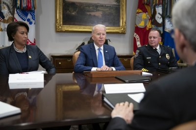 Biden vows to crack down on illegal guns in meeting with police chiefs