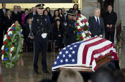 Sen. Inouye lies in state in U.S. Capitol
