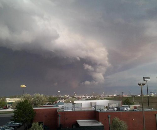 One dead as tornadoes sweep through Oklahoma