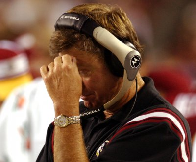 SC Gamecocks Coach Steve Spurrier resigns to 'get out of the way'