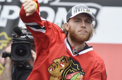 Patrick Kane's milestone goal lifts Chicago Blackhawks by Nashville Predators