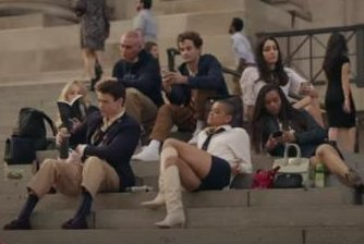 Romance, fashion front and center in 'Gossip Girl' sequel trailer