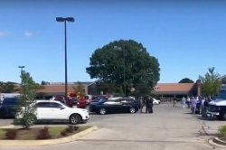 2 dead, including shooter, 14 injured in shooting at Tennessee grocery store