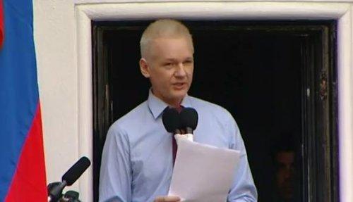 Assange decries U.S. leak crackdown