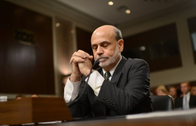 Warren Buffett picks Bernanke for third term as Fed chairman