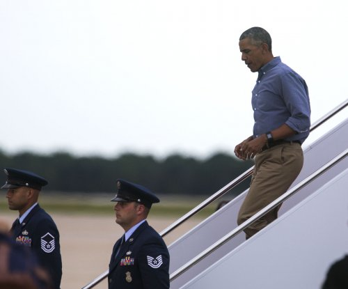 Obama says he plans to vote early in Chicago on Friday