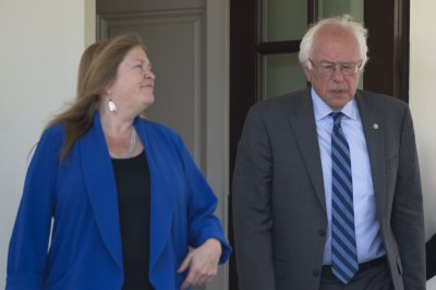 Bernie Sanders, wife hire lawyers after bank fraud accusation
