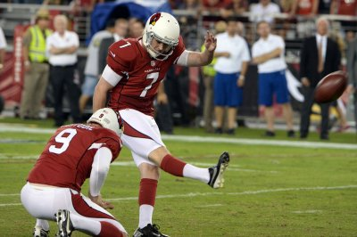 Tampa Bay Buccaneers sign Chandler Catanzaro, Mitch Unrein