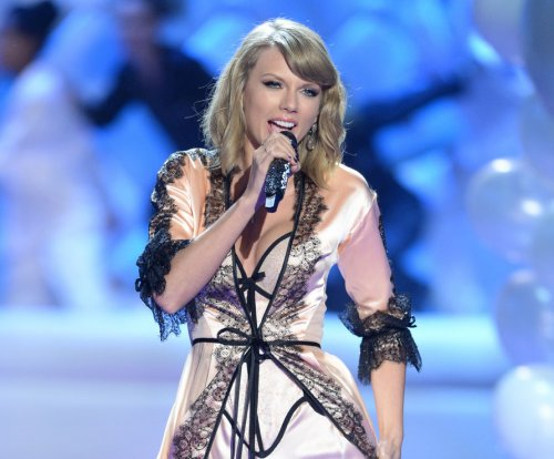 Taylor Swift's 'Style' should be her next single says Big Machine honcho