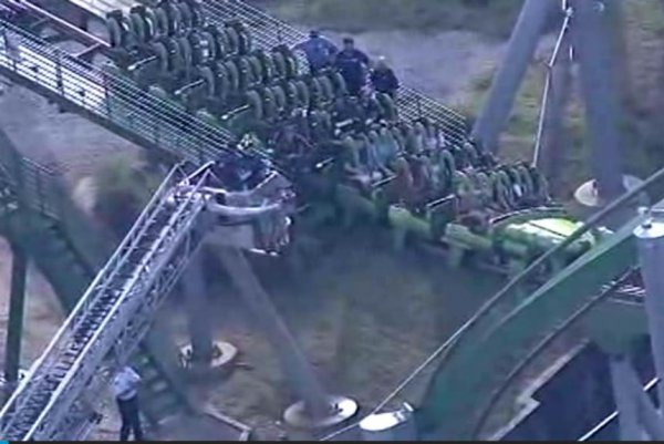 1 Point Safety >> Watch: Incredible rescue from Hulk roller coaster - UPI.com