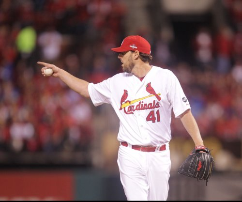Cubs sign RHP John Lackey to two-year deal