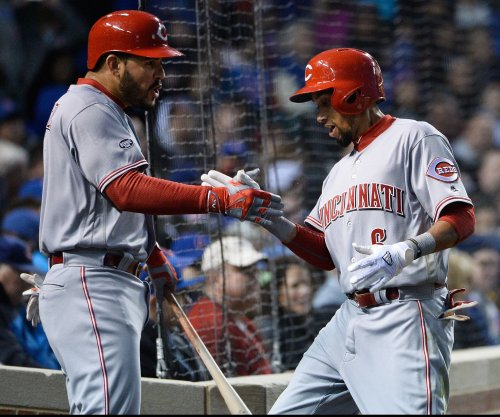 Eugenio Suarez powers Cincinnati Reds past Philadelphia Phillies
