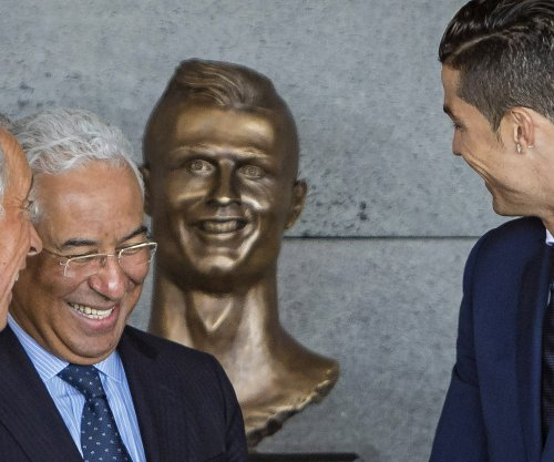 Cristiano Ronaldo gets a statue at his own airport, it looks nothing like him