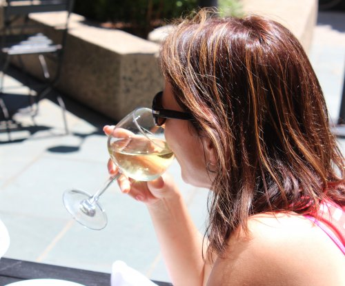 White wine may increase risk for rosacea in women, study says