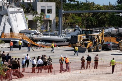 School, state, engineers share blame for Florida bridge collapse, NTSB says