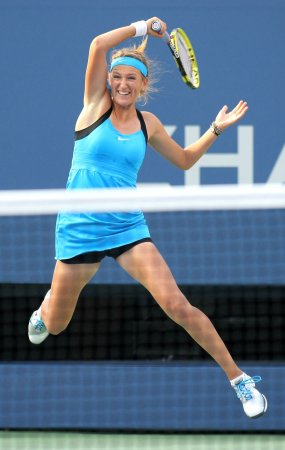 Azarenka officially No. 1 in women's tennis