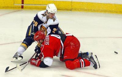 NHL: Buffalo 5, Carolina 1