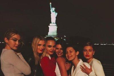 Kendall Jenner, Cara Delevingne support Karl Lagerfeld at Hudson River cruise