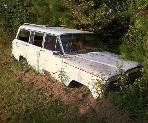 Jeep Wagoneer to be extracted from sand dune after 40 years