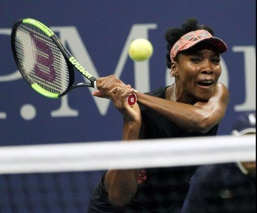 WTA Finals: Venus Williams bounces into semifinals