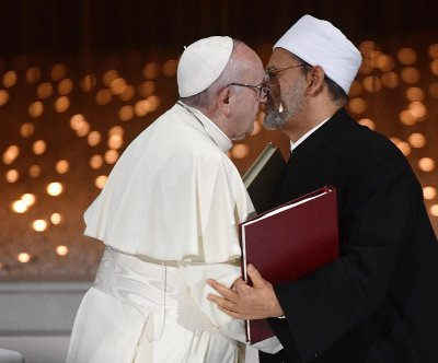 Pope, grand imam sign historic declaration of peace