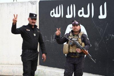Watchdog: IS 'resurging' as U.S. troops leave Syria