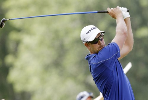 Stenson takes lead at PGA's Tour Championship