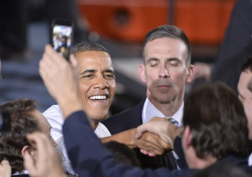 President Obama gets big business to help long-term jobless