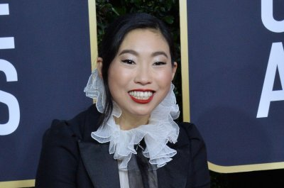 Awkwafina says commuters got tired of her voice on New York subway