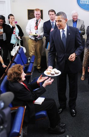 Obama, Helen Thomas celebrate birthdays