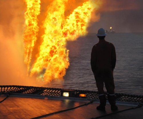 Fire on Pemex oil rig kills contractor, injures 16 in Gulf of Mexico