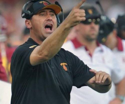 USC's Steve Sarkisian pushed into personal leave