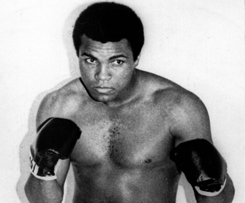 Tickets to Muhammad Ali memorial gone in hour