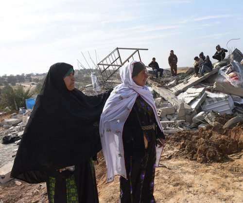 Two dead as Bedouins, Israeli police clash at town demolition site