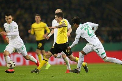 USMNT's Christian Pulisic gets nutmeg score in Bundesliga