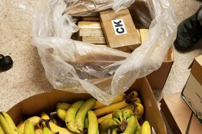 48 pounds of cocaine found in banana boxes at Washington grocery store
